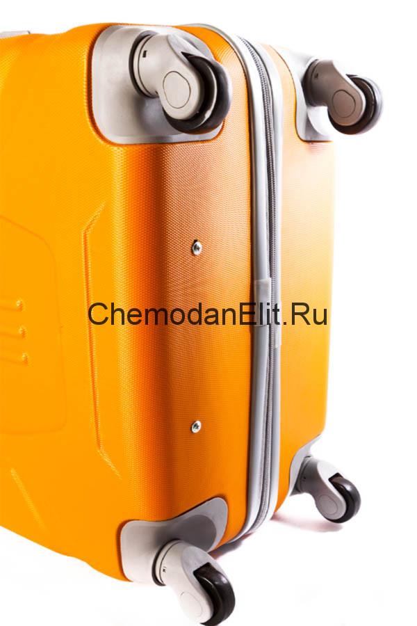 Брендовые чемоданы на колесах купить дешево